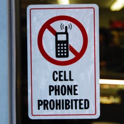 Door sign: Cell phone prohibited